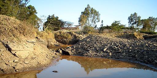 pits (43k image)